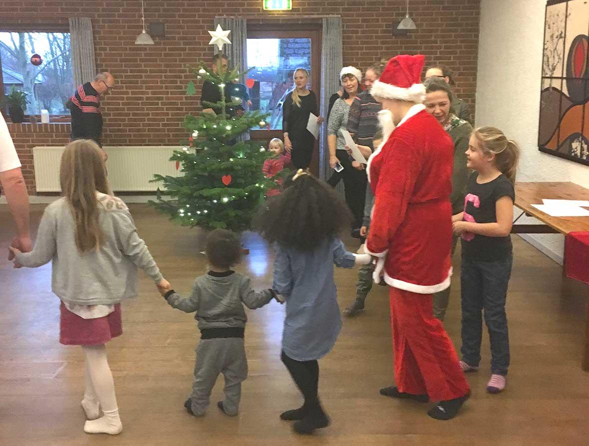 Herlig juletræsfest for de små