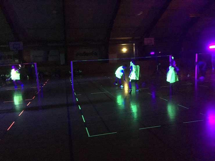 Badminton i nattens mulm og mørke